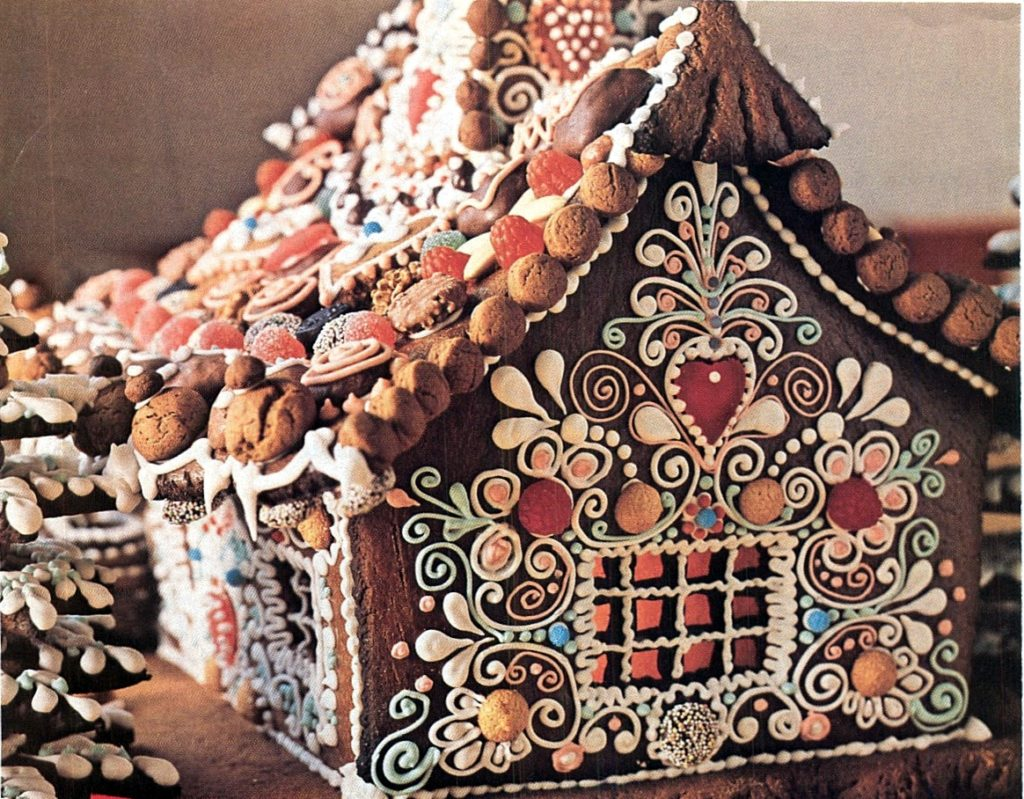 Country Cottage Gingerbread House