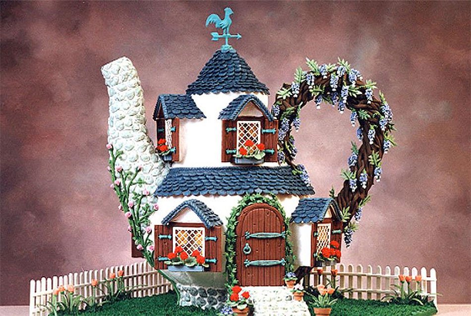 Gingerbread Teapot Fairy Cottage