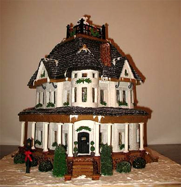 Southern Mansion Gingerbread House