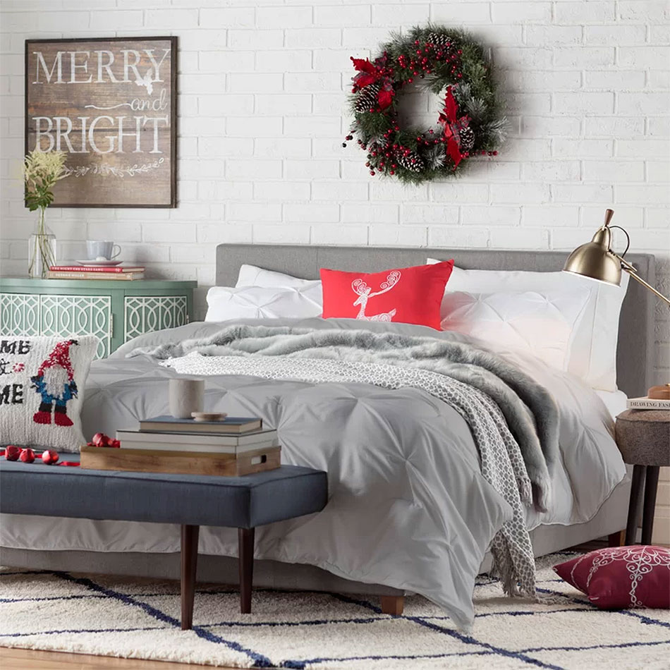 Christmas Touches in an Industrial Bedroom