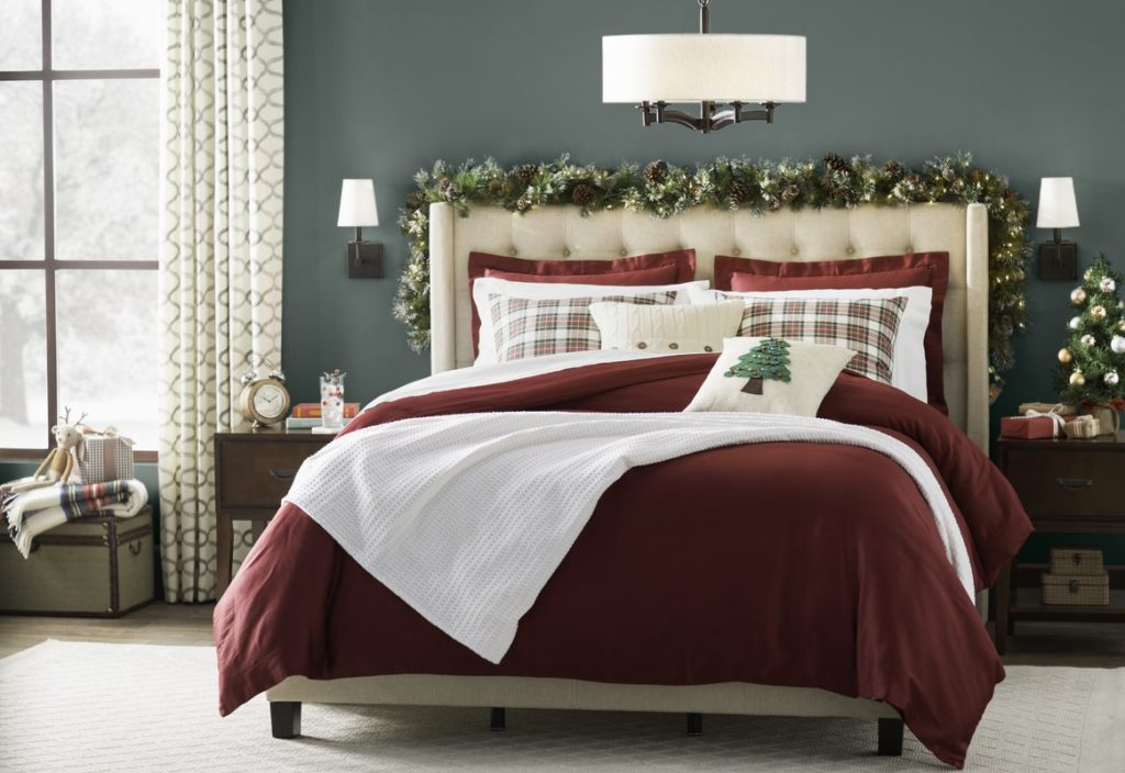 Traditional Red & Green Christmas Bedroom Decor