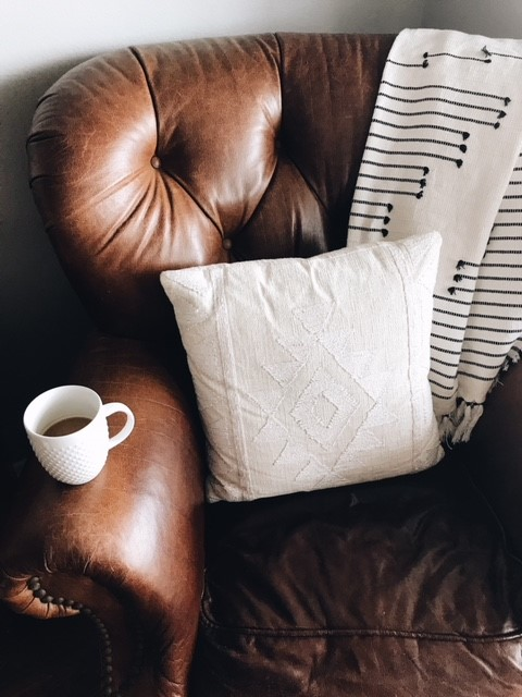 Decorating with Throw Pillows