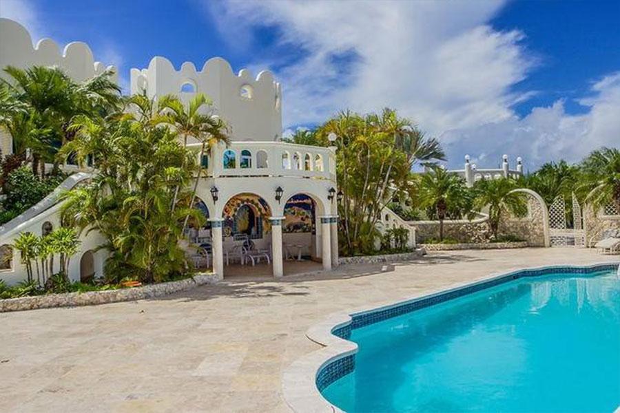 Virgin Islands Castle: Pool Area