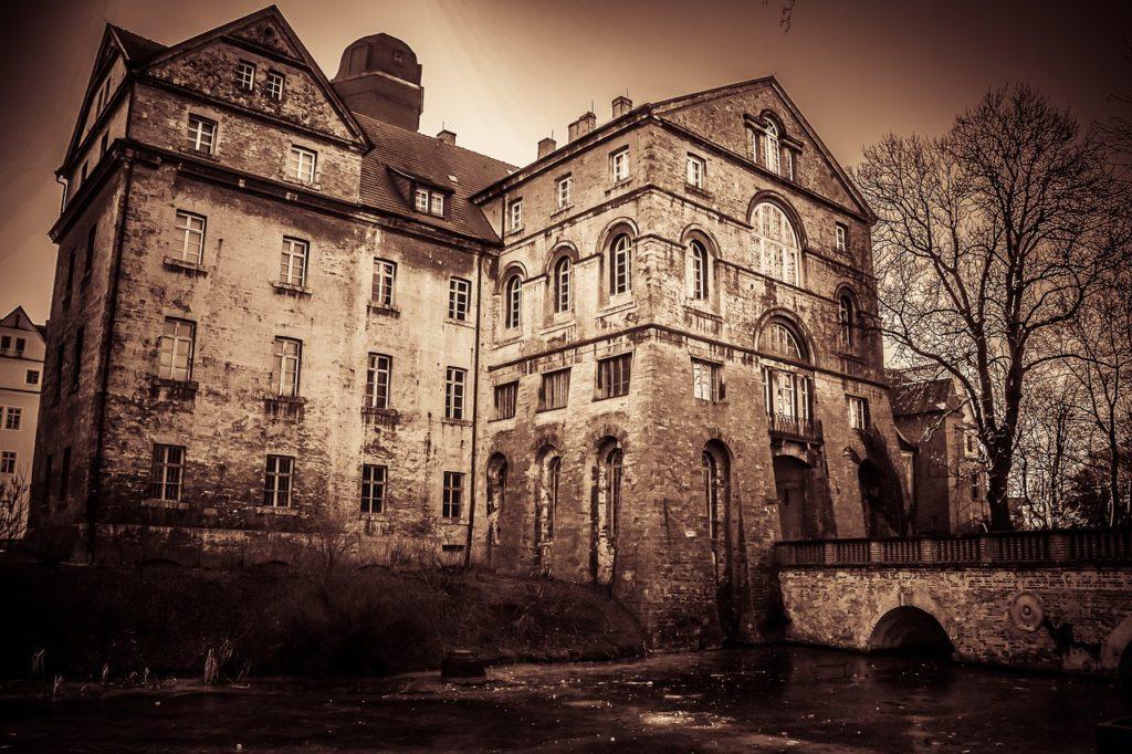 The Nostalgic Romance of Abandoned Homes