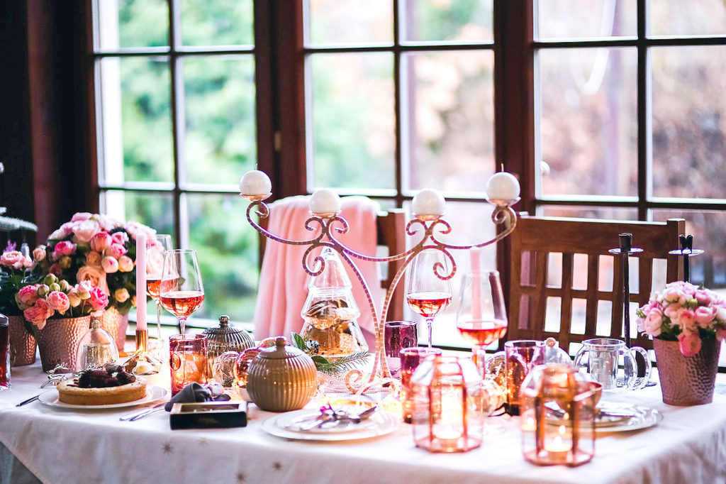 Pink Christmas Table Decor