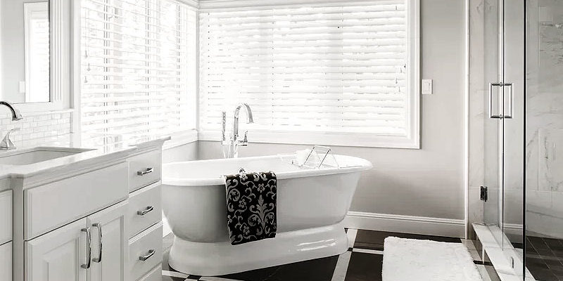 Black & White Bathrooms We Love
