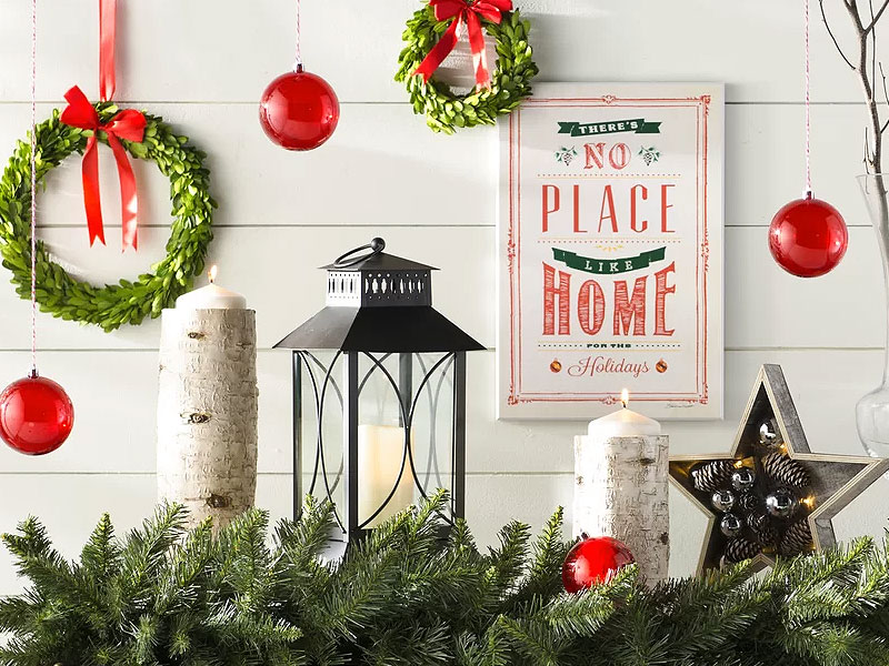 Christmas Hall Tables & Festive Foyer Decor Ideas