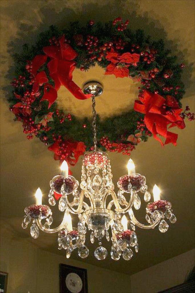 Christmas Wreath Ceiling Medallion