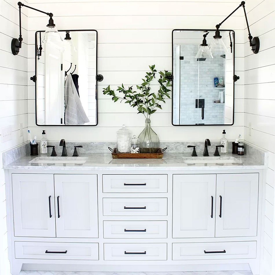 Crisp Country Black & White Bathroom