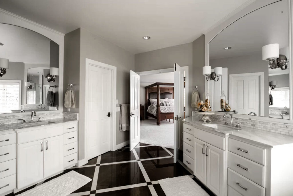 Classically Elegant Black & White Bathroom