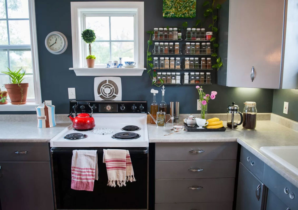 Mid-Century Bungalow Gets a Blue Kitchen Makeover