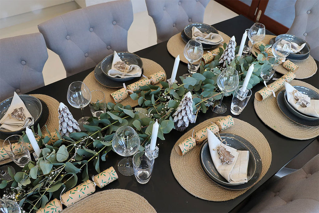 Naturally Rustic Christmas Table Setting