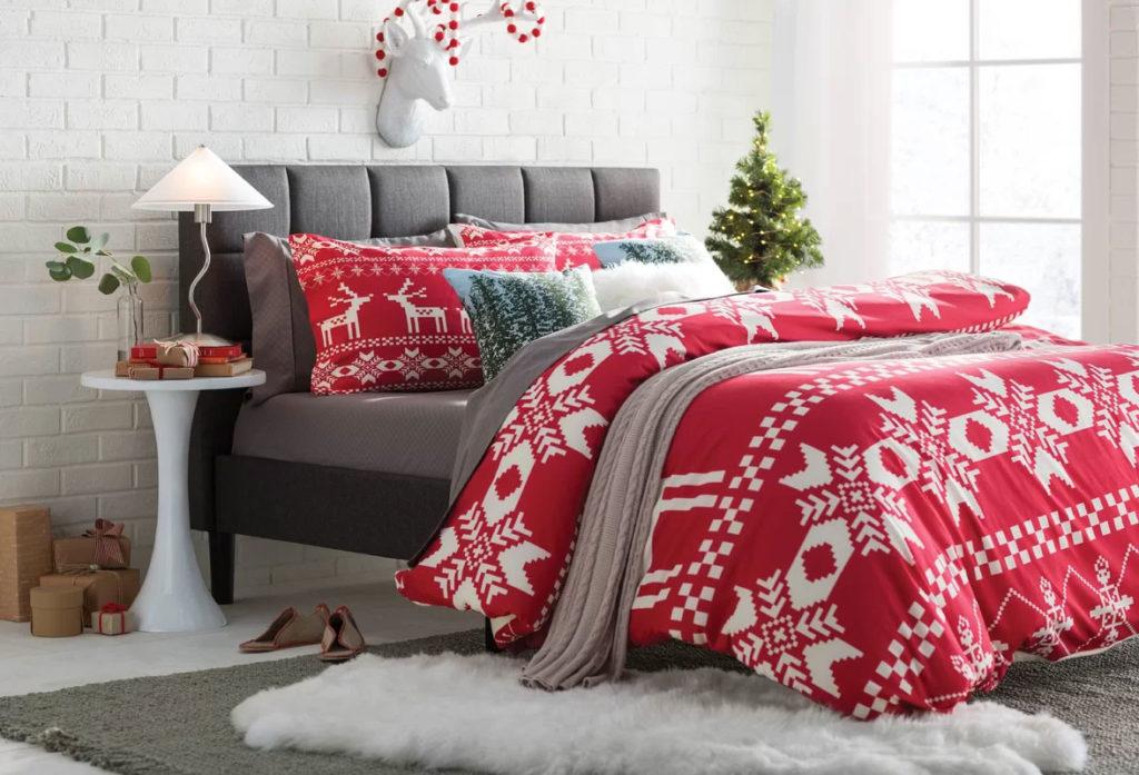 Red Christmas Reindeer Bedroom Decor
