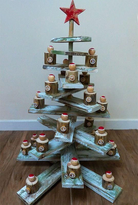 Rustic Wood Christmas Tree Advent Calendar