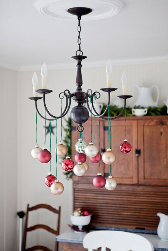 Simple Red & Gold Christmas Ornaments Chandelier