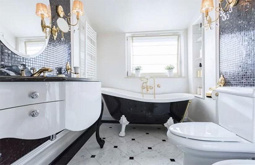 Striking Black & White Bathroom