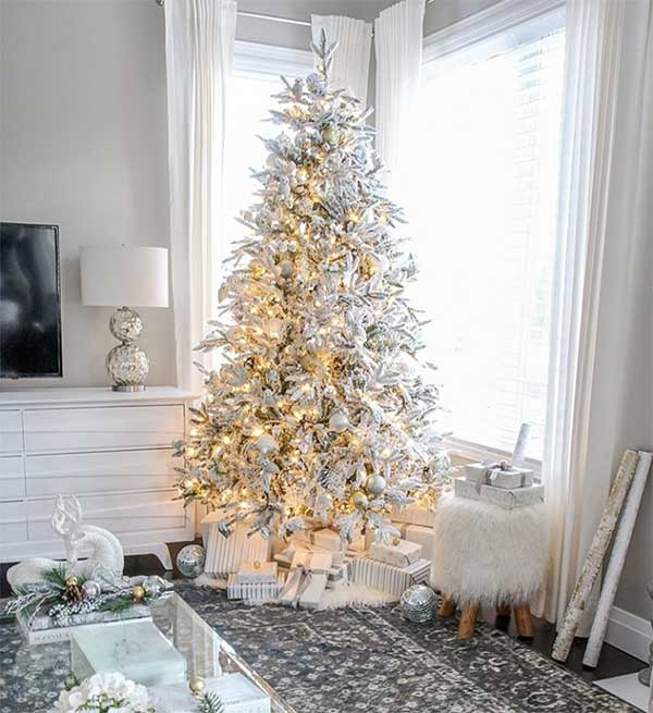 White & Gold Glam Christmas Tree