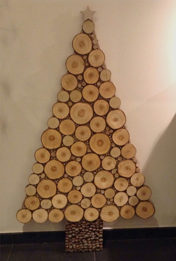 Wood Slices Christmas Tree