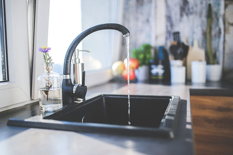 5 Daily Cleaning Tips: Clean the Kitchen Sink