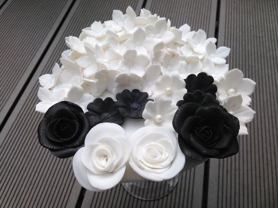 Beautiful Black & White Birthday Cake