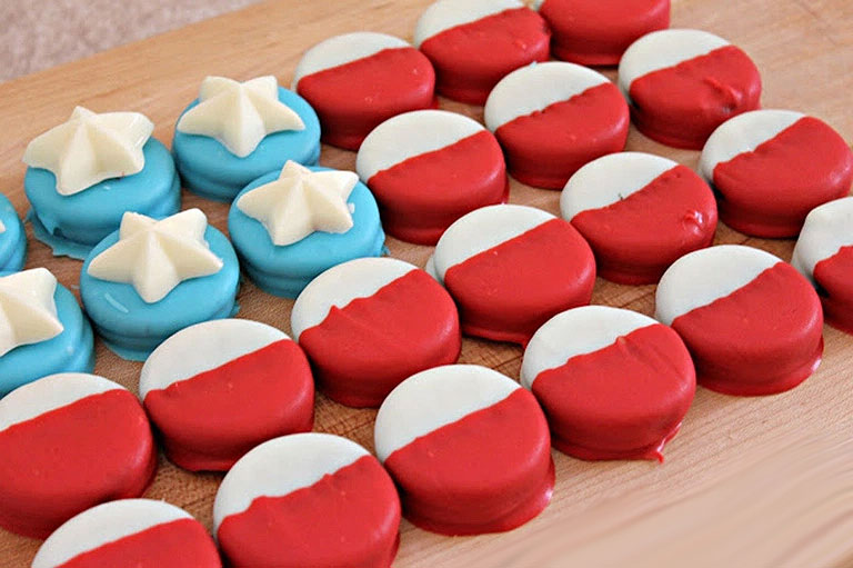 American Flag Dipped Oreo Cookies