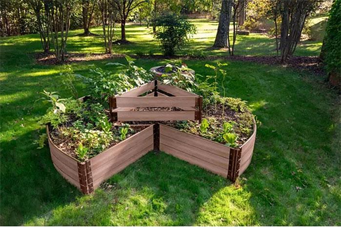Classic Sienna Circle Keyhole Garden